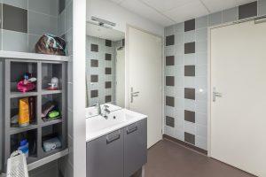 Salle de bain internat-MFR Le Belvédère Sallanches-Pierre Brac