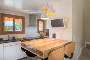Appartement chalet Praz-sur-Arly- Cuisine-Pierre Brac