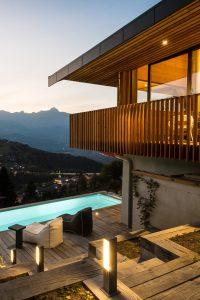 Elia Kuhn Photographe Tema _extérieur chalet piscine Saint-Gervais-les-Bains