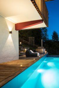 Elia Kuhn Photographe Tema _heure bleue chalet piscine Saint-Gervais-les-Bains