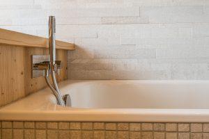 Elia Kuhn Photographe Tema _détail salle de bain chalet Saint-Gervais-les-Bains