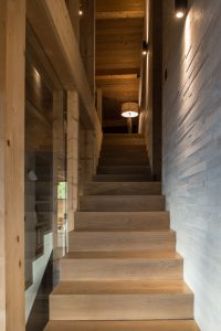 Elia Kuhn Photographe Tema-escalier chalet Saint-Gervais-les-Bains