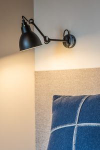 Elia Kuhn Photographe Tema _détail tête de lit Arpin chalet Saint-Gervais-les-Bains
