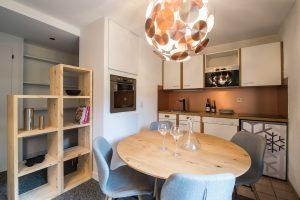 Elia Kuhn- appartement Le Bonhomme Les Contamines Montjoie-cuisine