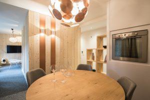 Elia Kuhn- appartement Le Bonhomme Les Contamines Montjoie-salle à manger