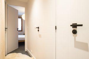 Elia Kuhn- appartement Le Bonhomme Les Contamines Montjoie-couloir