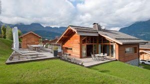 09-Angle Est Guest House Domancy Tema Architectes