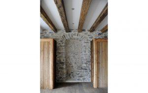 24-Mur pierre chaulée Maison forte rénovée Passy Tema Architectes