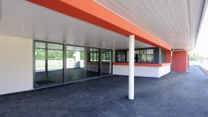 04-Entrée Vestiaires de Cayenne Sallanches Tema Architectes