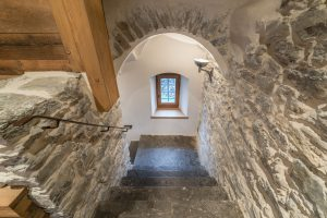 29-Escalier Maison forte rénovée Passy Tema Architectes