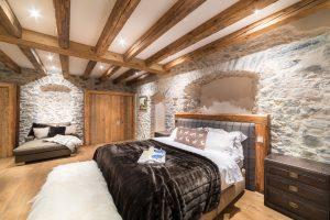 36-Chambre master Maison forte rénovée Passy Tema Architectes