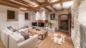 38-Séjour cheminée Maison forte rénovée Passy Tema Architectes