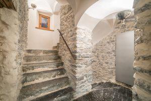 39-Escaliers Maison forte rénovée Passy Tema Architectes