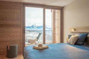 Elia-kuhn-Chambre et salle de bain-4-chalet Saint-Gervais les Bains
