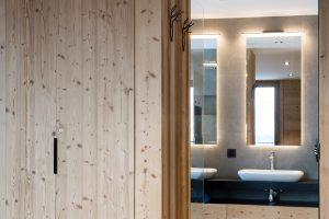 Elia-kuhn-Chambre et salle de bain-6-chalet Saint-Gervais les Bains