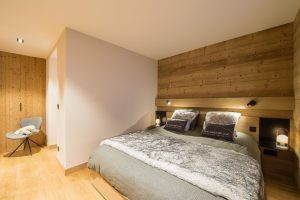 Elia-kuhn-Chambre et salle de bain-9-chalet Saint-Gervais les Bains
