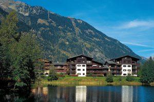 03-Extérieur jour avant Resort La Cordée Chamonix Mont-Blanc Tema Architectes